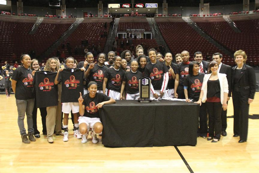 SDSU celebrates title on Senior Night