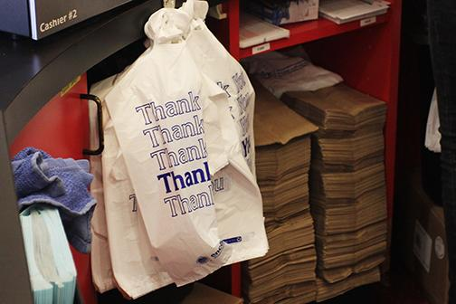 Aztecs argue for plastic bag ban in County