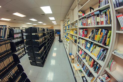 Library initiates MacBook rental program