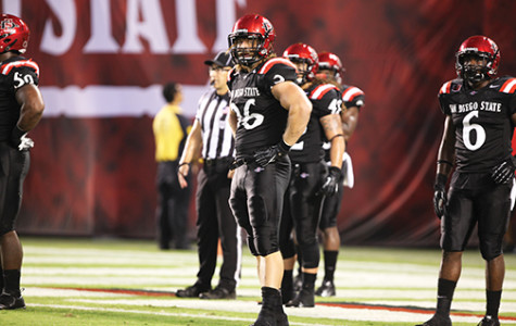 Aztecs fall to Wolf Pack