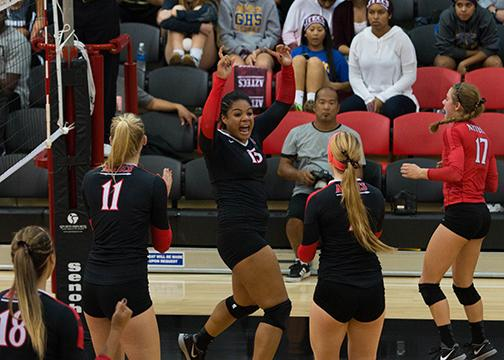 Volleyball finishes home season, gears for finale vs UNLV