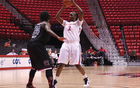 Aztecs looking to swat Hornets