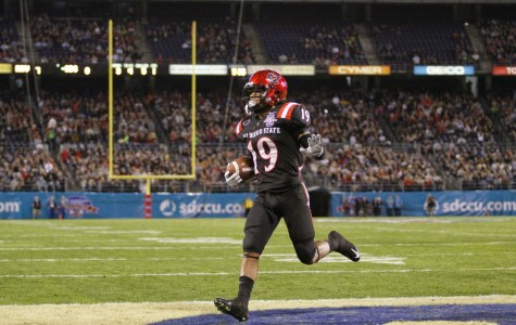 Aztecs lead Navy 13-7 at Poinsettia Bowl