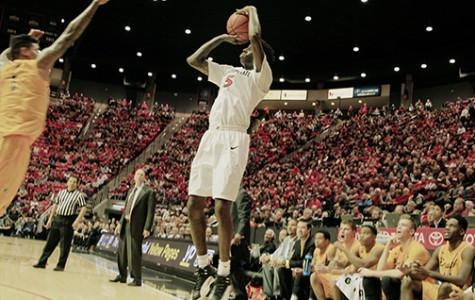 49ers fall short of gold as Aztecs win 60-59