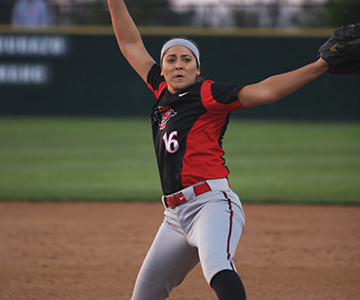 Erica Romero retires 12 in a row as Aztecs split doubleheader at Titan Classic