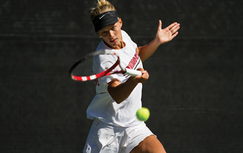 Women's tennis looking to win, weather or not