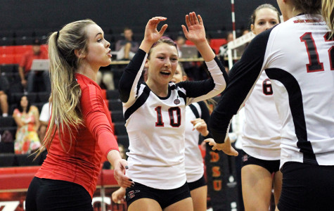 SDSU volleyball storms back to beat New Mexico