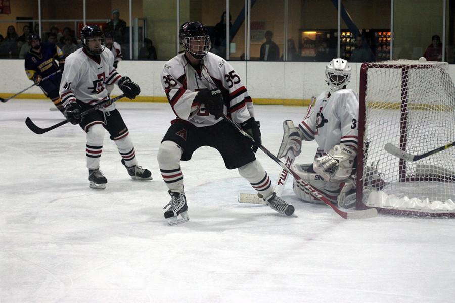SDSU+hockey+beats+NAU+6-4%2C+sweeps+two-game+series