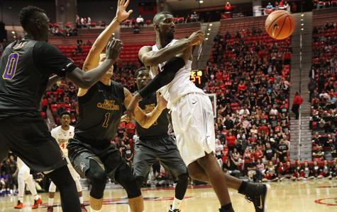 Lineup change sparks 25-point win for SDSU over East Carolina