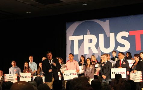 Ted Cruz hosts campaign rally in San Diego