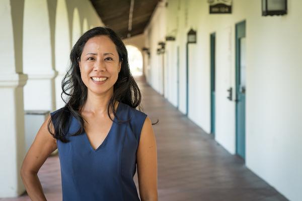 Social work professor specializes in community