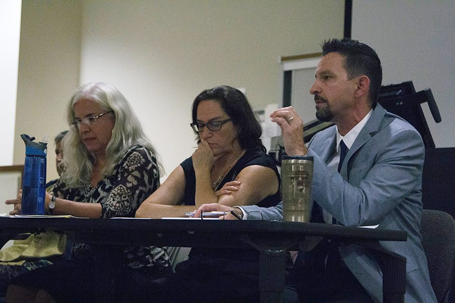 SDSU+panel+discusses+gender+roles+in+the+2016+election