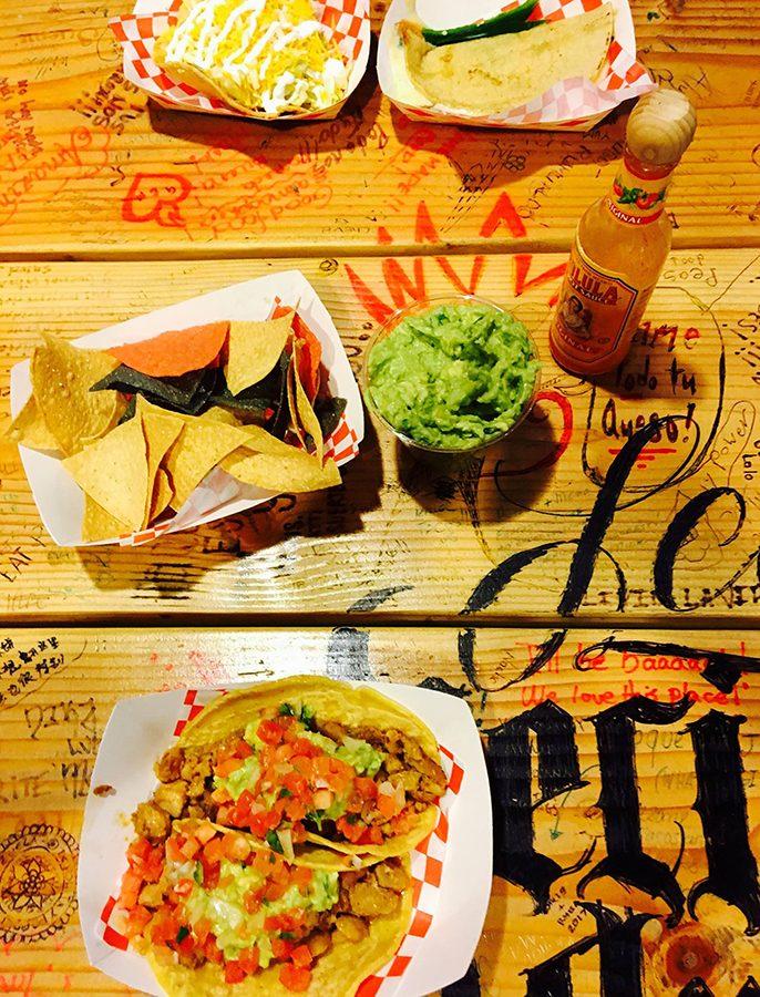 La+Vecindad+serves+tasty+tacos+daily