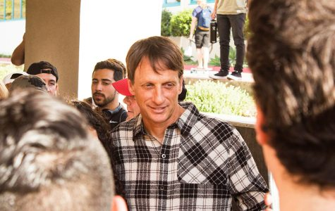 Tony Hawk gives advice to student