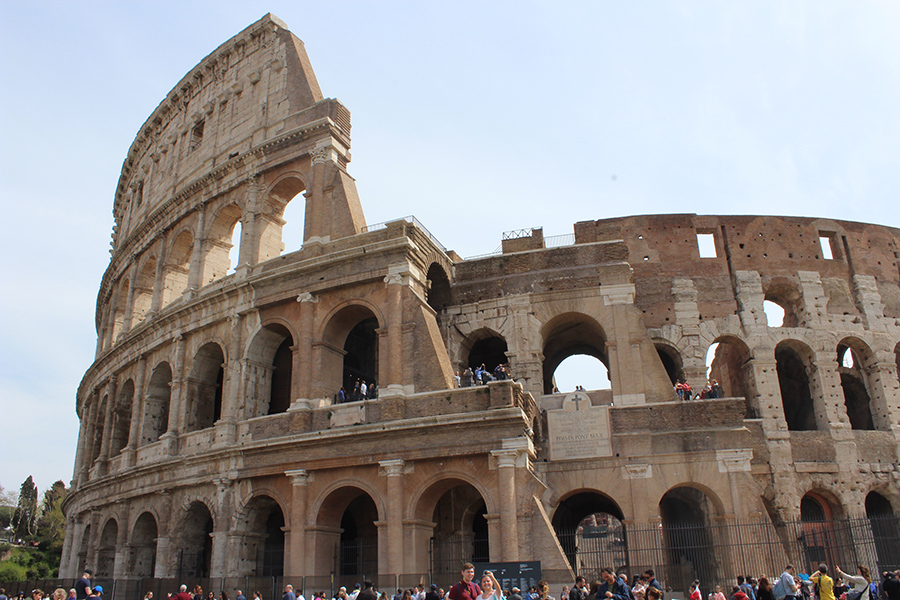 La arquitectura del Coliseo le llamo la atención a Navarro.