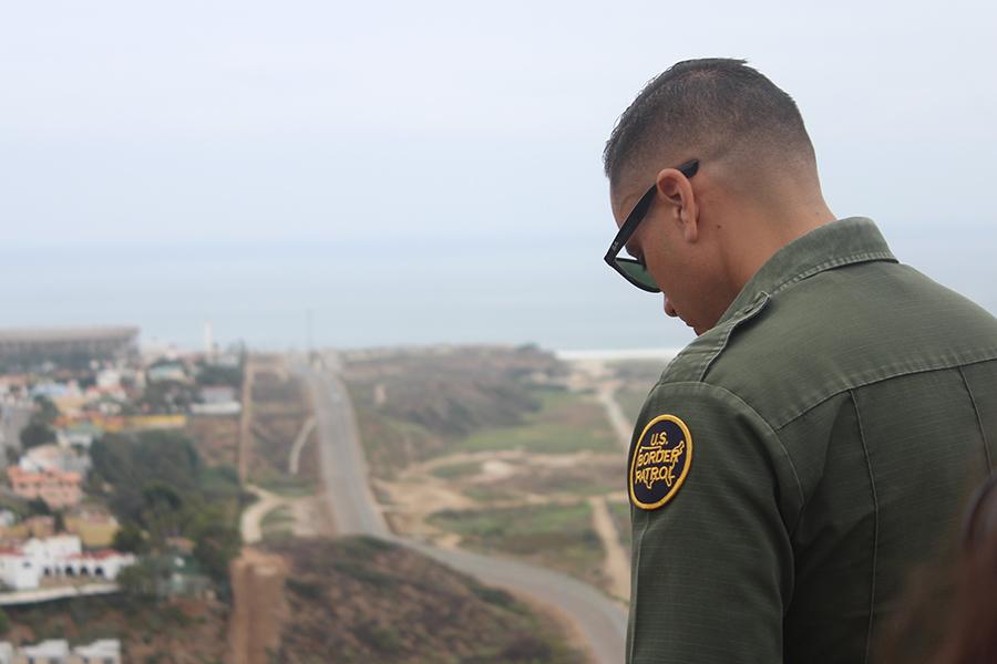 Mundo_border_JocelynMoran6