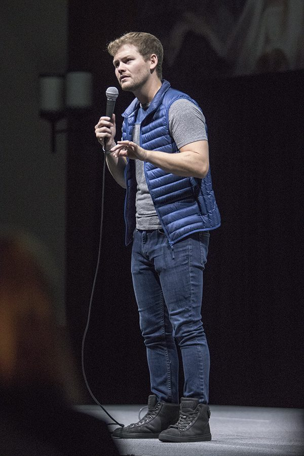 Stand-up+comedian+Drew+Lynch+performs+his+infectuous+routine+in+Montezuma+Hall+as+part+of+DiversAbility+Month+at+SDSU.