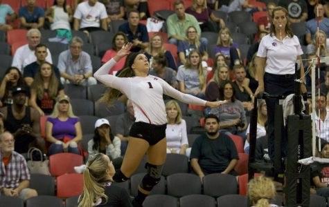 Women's volleyball splits weekend matches with San Jose State, Nevada