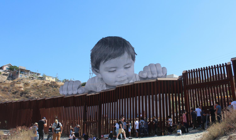 La instalación de Kikito une a la gente de México y los EE.UU.