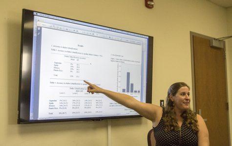 Profesora de español habla sobre actitudes hacia dialectos en español