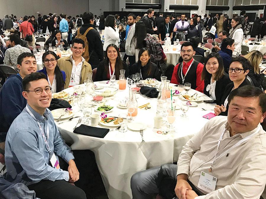 Ocho estudiantes de SDSU fueron reconocidos en conferencia de SACNAS.