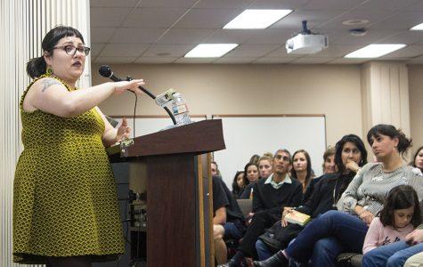 Autora habla sobre la representación latina en la literatura