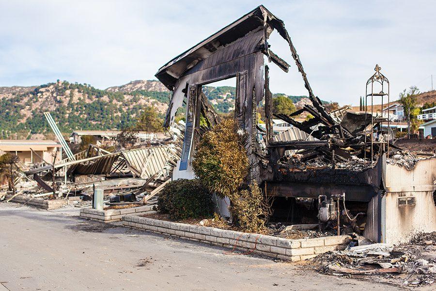 Incendios se desatan en el sur de California