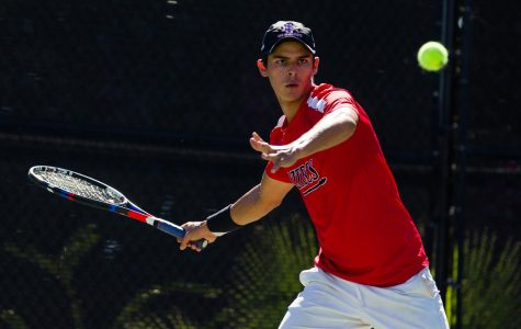 Men's tennis welcomes promising freshman to the Mesa