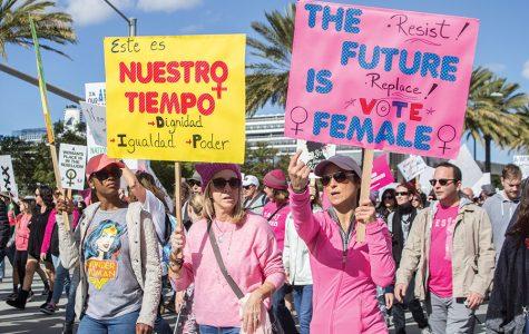 Estudiantes y profesores se unen con la comunidad de San Diego para la Marcha de las Mujeres