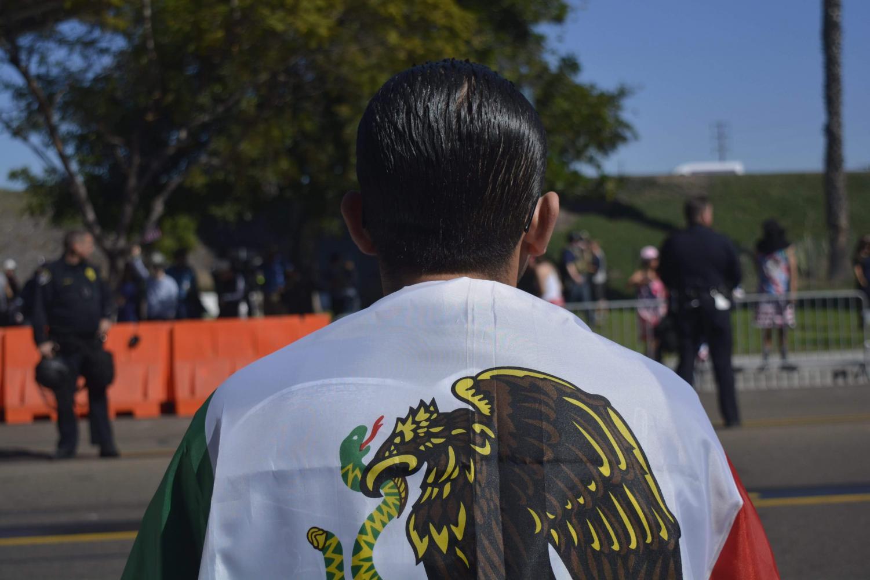 Un picnic organizado por el grupo Bordertown Patriots provocó una reacción de la comunidad chicana en el Chicano Park el 3 de febrero