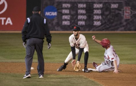 Aztecs fall to No. 4 Arkansas, 5-2, after ninth inning letdown