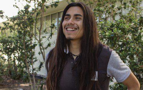 Estudiante de SDSU usa su experiencia para ayudar a su comunidad en Barrio Logan