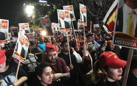 López Obrador realiza campaña presidencial en Tijuana