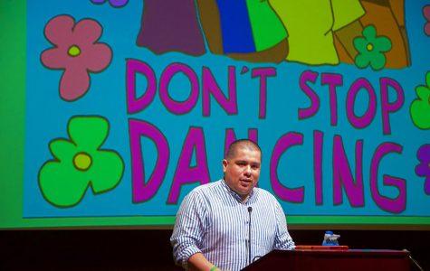 Activista usa su arte para empoderar a la comunidad LGBTQ e indocumentada.