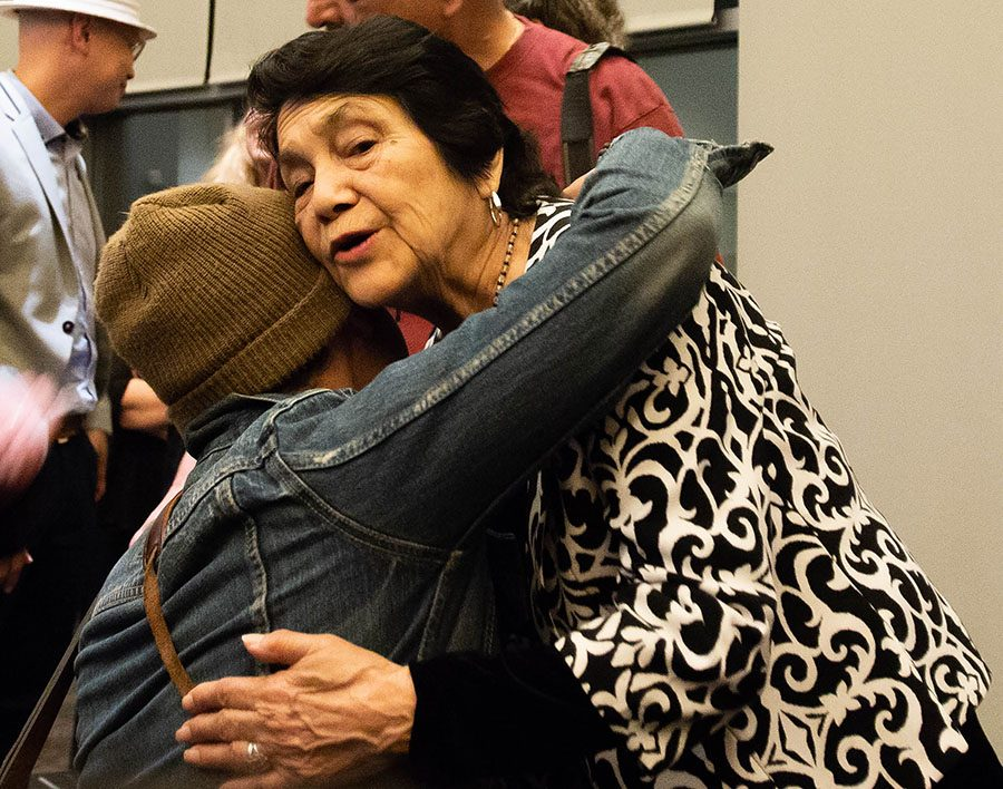 Labor+activist+Dolores+Huerta+embraces+an+attendee+at+her+talk+on+UC+San+Diego%E2%80%99s+campus.