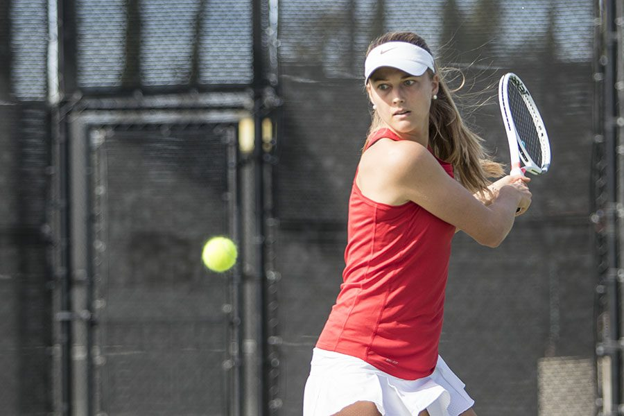 Senior+tennis+player+Jana+Buth+prepares+to+swing+during+the+Aztecs+5-2+victory+over+UCSD+at+the+Aztec+Tennis+Center+on+Jan.+27.