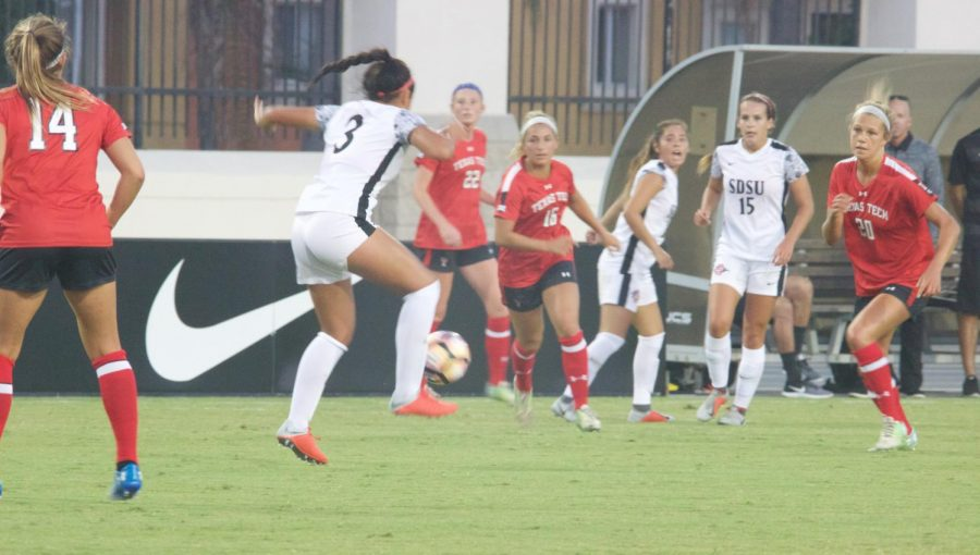 Freshman+forward+Taylor+Moorehead+handles+the+ball+during+the+Aztecs+2-1+loss+to+Texas+Tech+on+Aug.+24+at+the+SDSU+Sports+Deck.+