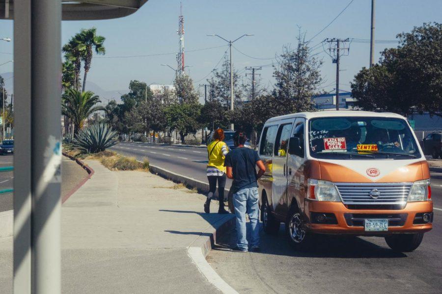 El+m%C3%A9todo+de+transporte+mas+com%C3%BAn+para+estudiantes+en+Tijuana+son+los+taxis.+