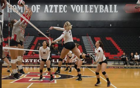 Aztecs drop four-set match against Boise State