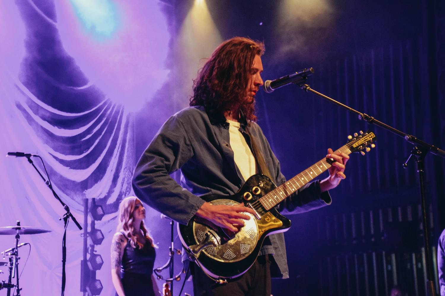 Hozier+teased+upcoming+music+during+his+performance.+