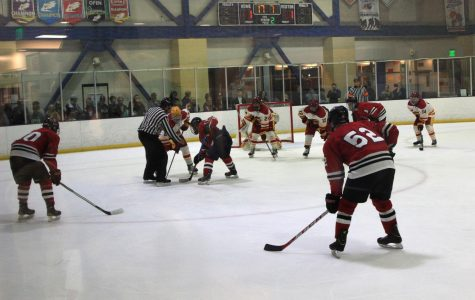 Hockey cruises to 6-2 victory over Trojans