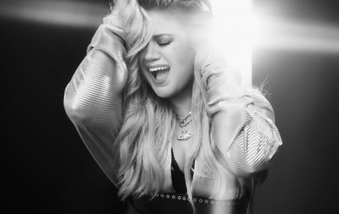 Kelly Clarkson flexes legacy on 'Meaning of Life' tour