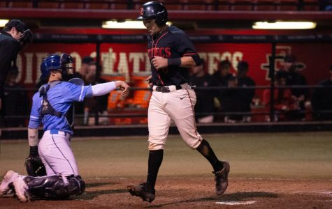 Aztecs collapse in eighth inning, lose against USD