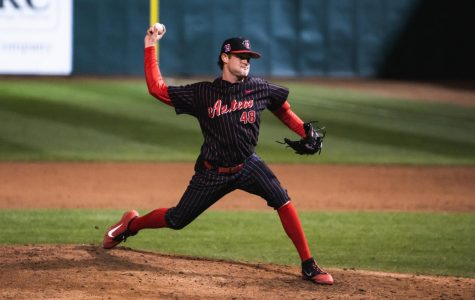 Goossen-Brown pitches shutout in Aztecs' 8-0 victory over New Mexico