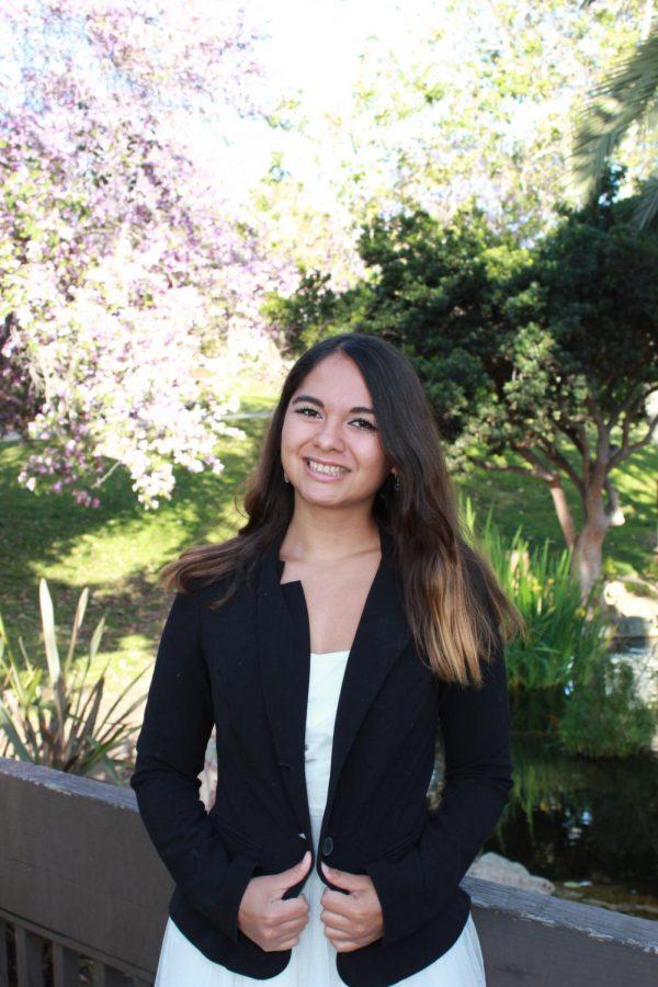Estudiante logra superar obstáculos para graduarse
