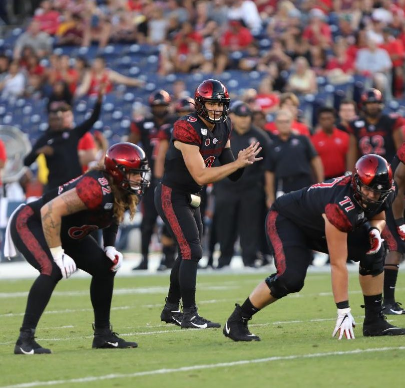 Senior quarterback Ryan Agnew is set to receive a snap out of the shotgun during the Aztecs' 6-0 win over Weber State on Aug. 31.