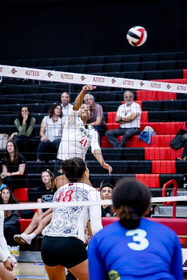 Sophomore outside hitter Victoria O'Sullivan attacks the ball during the Aztecs' 3-2 victory over San José State on Sept. 27 at Peterson Gym.