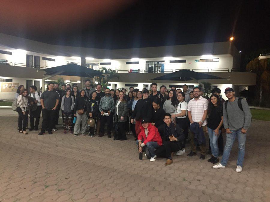 Estudiantes de SDSU cruzan semanalmente a Tijuana para tomar clases como experiencia internacional.