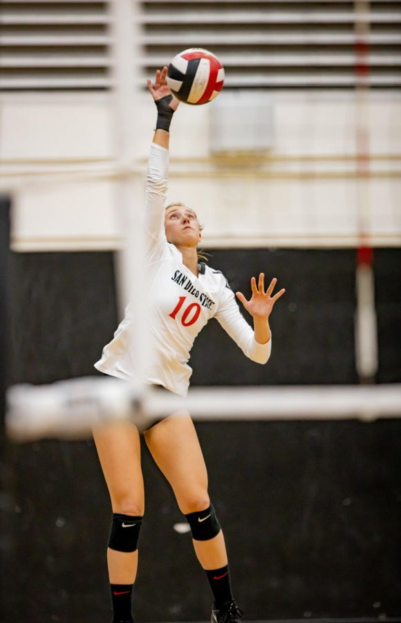 Sophomore setter Camryn Machado attempts to attack the Boise State defense during the Aztecs' 3-2 loss to the Broncos on Oct. 24 at Peterson Gym
