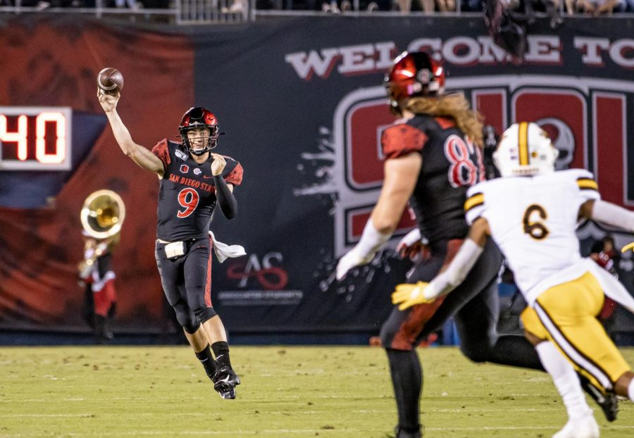 Senior+quarterback+Ryan+Agnew+throws+on+the+run+during+the+Aztecs%27+26-22+victory+over+Wyoming+on+Oct.+12+at+SDCCU+Stadium.+Agnew+finished+the+game+with+209+yards+and+two+touchdowns+on+21+of+32+passing.